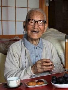 Oud worden? Emigreer naar Japan of de VS