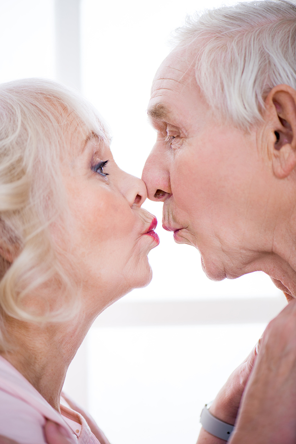 Senior Citizen dating online