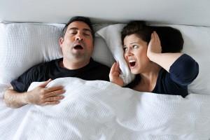 Slaapapneu en snurken belangrijkste oorzaak slaapproblemen