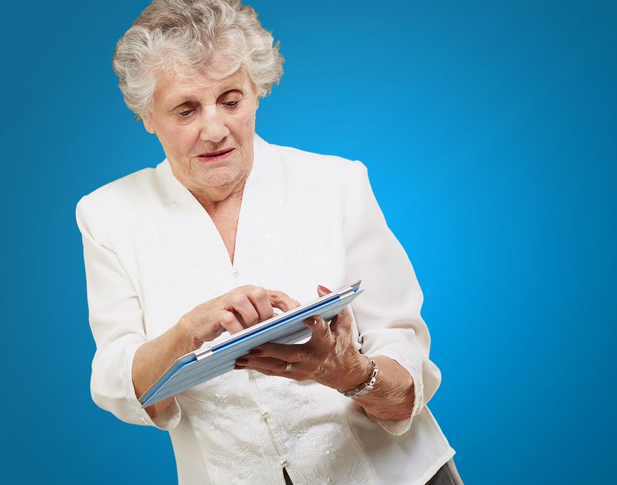 De Oude Dame En De Ipad 50pluswereld Maakt Verstandige Senioren